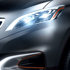 A closer look at the LED headlights with pupil-like projectors