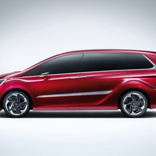 It looks like a mix of the Odyssey from the US and Honda's Japanese MPVs