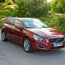 Volvo V60 3.0 T6 SE Lux 4WD AT
