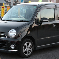 Daihatsu Move Latte VS