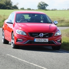 Volvo S60 D5 R-Design Momentum Powershift