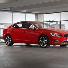 Volvo S60 D2 R-Design Momentum Geartronic