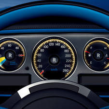 The standard car displays have been replaced by graphics inspired by Bluebird
