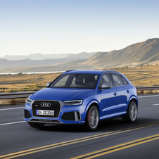 Compared to the RS Q3, Audi increased the power by 27hp to a total of 367hp