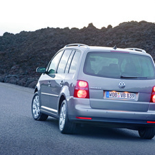 Volkswagen Touran 1.9I TDI BlueMotion 105cv DPF Highline 5L.