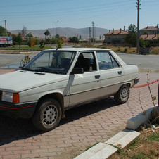 Renault 9 GTL 5-Speed