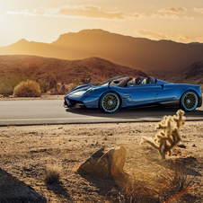 New Pagani Huayra Roadster is 80kg lighter than the coupé version