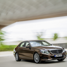 Renault and Mercedes decided that it would be too expensive keep the E-Class platform in production for that long
