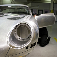 The weight reduction provided by the original 'Lightweight'models was 114 kg in comparison to a series E-Type