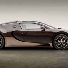 Bugatti painted the car in an exclusive bronze carbon color