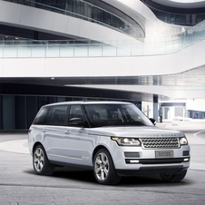 The Range Rover Hybrid LWB is equipped with a 3.0-liter engine SDV6 and an electric motor with a combined power of 345hp