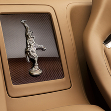 Between the rear benchs Bugatti put a small replica of Rembrandt's dancing elephant sculpture
