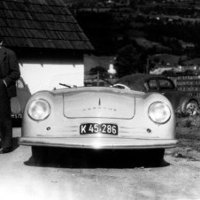 Ferry Porsche (centre), his father Ferdinand Porsche (right) and Erwin Komenda (left), 1948, in front of the 356 No. 1