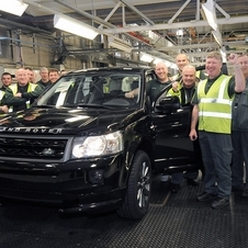 The 300,000th Freelander 2 was a a 2.2 liter diesel in Barolo Black and is off to a customer in Brazil