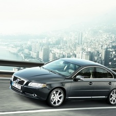 Volvo does not plan to add a flagship sedan but will upgrade the S80 on the SPA platform