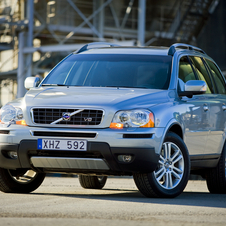 Volvo plans to emphasize four-cylinder engines and hybrids