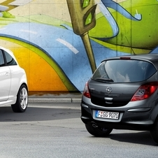 Opel 1.4 Turbo Corsa Debuts with Special White and Black Models