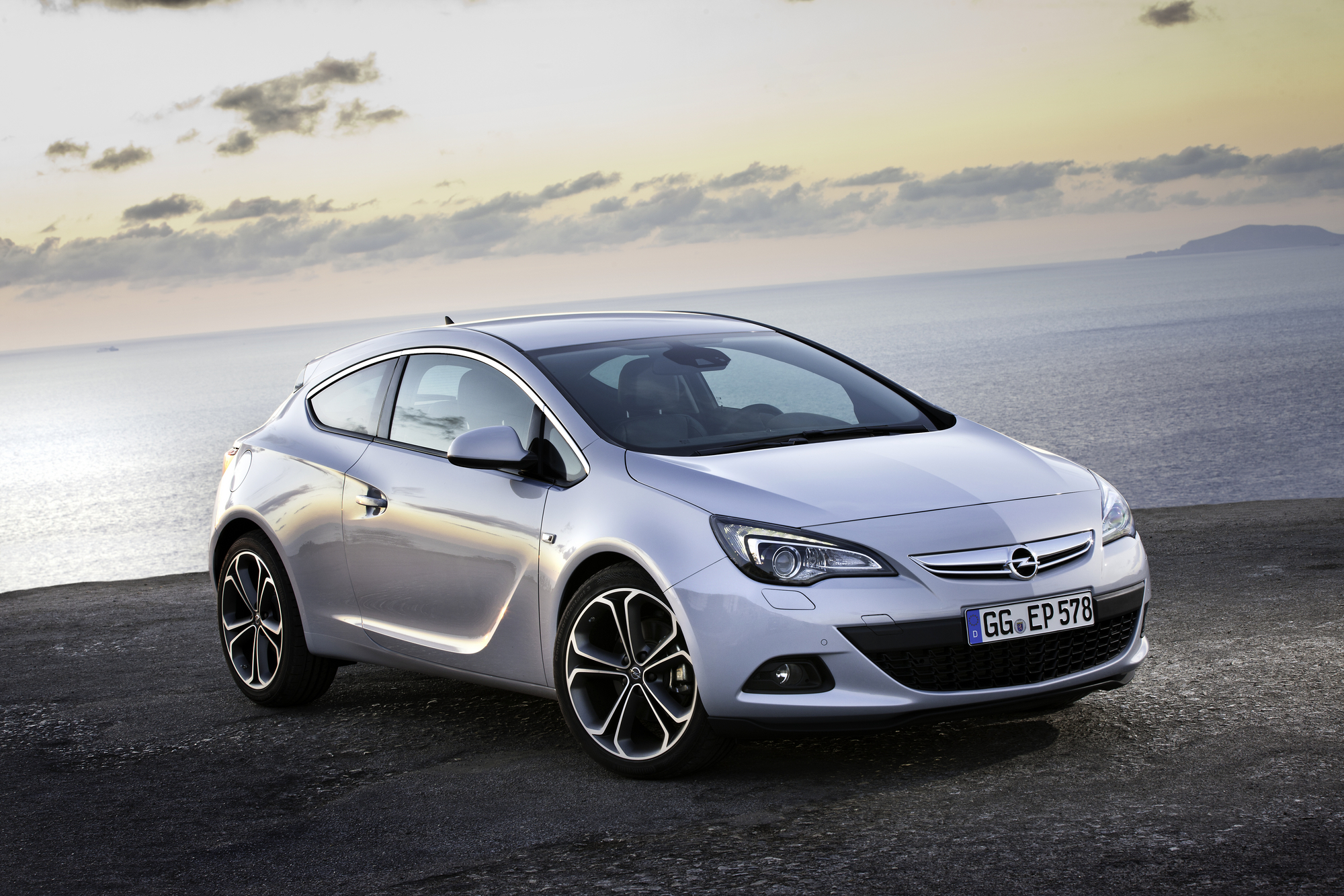 opel astra gtc 1 4 turbo start stop slideshow. Black Bedroom Furniture Sets. Home Design Ideas