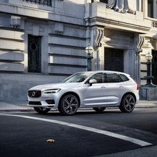 Volvo XC60 T8 PHEV R-Design AWD Geartronic