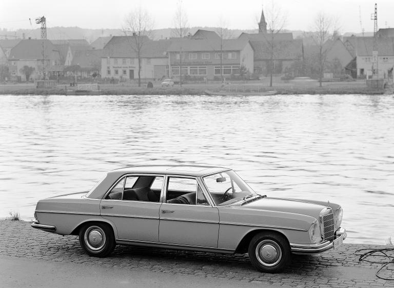 Mercedes-Benz 300 SEL 2.8 4-Speed
