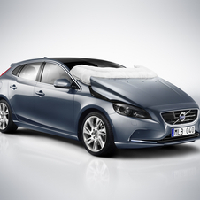 The latest V40 is packed with airbags