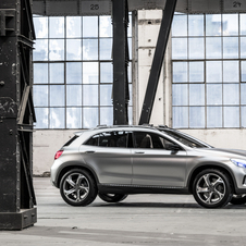 The GLA concept uses a 2.0-liter turbocharged engine with a seven-speed dual clutch transmission