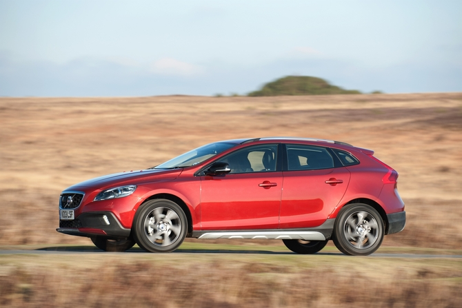 Volvo V40 D2 Kinetic Powershift Cross Country