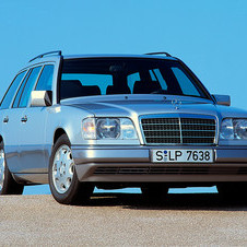 Mercedes-Benz E 300 Turbodiesel 4-MATIC Station Wagon