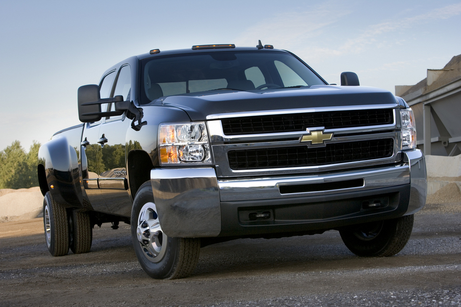Chevrolet Silverado 3500HD Regular Cab 4WD Work Truck Long Box SRW
