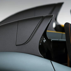 The body is entirely carbon fiber