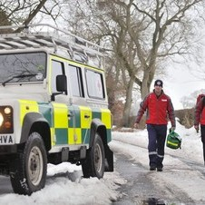 Land Rover Loans Vehicle to Red Cross for Snow Patrol