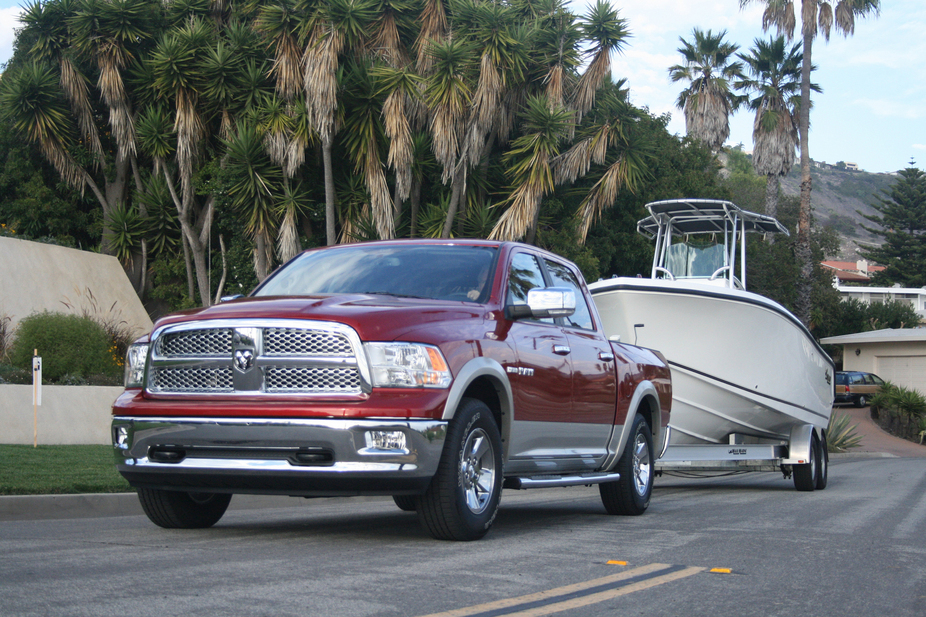Dodge Ram 1500 Regular Cab 4X4 ST LWB
