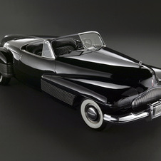 The 1938 Buick Y-Job pointed to Buick design of the 50s. Automotive sales were stopped in the US during World War 2.