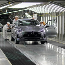 The Citroën DS5 has entered production in China
