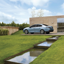 Renault Invests in Battery Center in Lardy, France