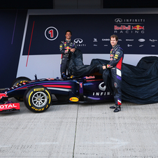 Red Bull drivers unveiled the new RB10 at the pitlane in Jerez