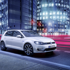 The Golf GTE can be driven in pure-electric mode, by simply pushing a button