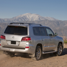 Lexus LX570 Gets New Lexus Nose and Extra Tech