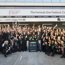 Mercedes celebrates the world title secured in Sochi
