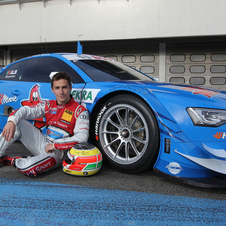 Filipe Albuquerque posing with the A5 DTM