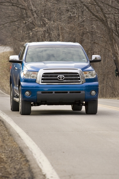 Toyota Tundra-Grade Regular Cab 4X4 5.7L Long Bed
