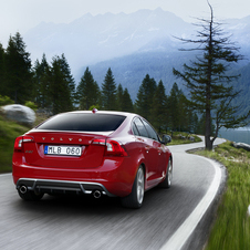 Volvo S60 2.0T R-Design Powershift