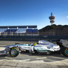 The largest private shareholder of the Mercedes F1 team is threatening to leave