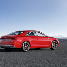 The top-range S5 will be equipped with the 3.0-liter V6 petrol engine with 354hp, 21hp more than its predecessor