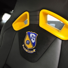 Special Mustang GT Blue Angels earns $400.000 for EAA's Young Eagles organisation