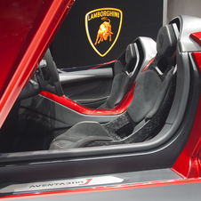 The seats' base are made from Lamborghini's Forged Composite material with CarbonSkin bonded and sewn on.