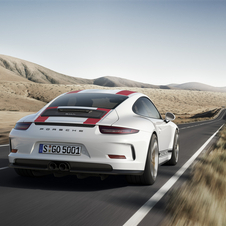 The 911 R is 50kg lighter than the 911 GT3 RS, with a total of 1370kg