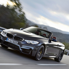 Based on the M4 Coupé, the cabriolet has the same retractable metal three-piece rooftop from the 4 Series Coupé