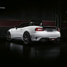 The additional 30hp of output allow the Abarth 124 Spider to reach 100km/h in 6.8 seconds and a top speed of 230km/h