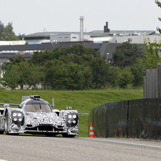 The car looks quite similar to the other factory LMP1 cars